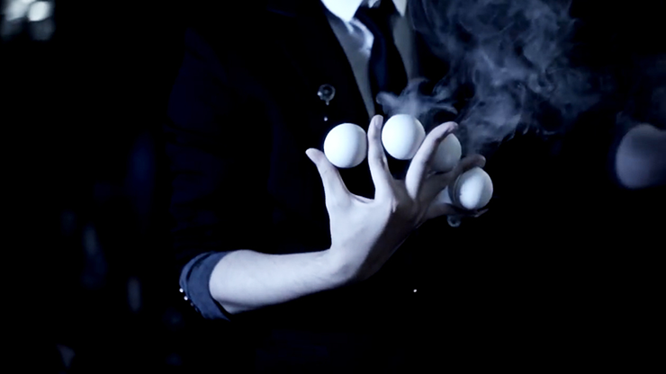 Smoke One (Ball) par Lukas